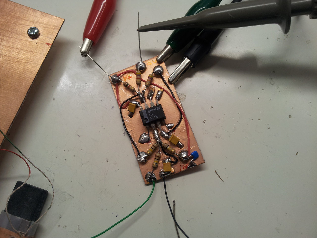 Wideband Oscillator For Testing Resonant Circuits The Circuit And Also Determine Frequency Of Oscillations