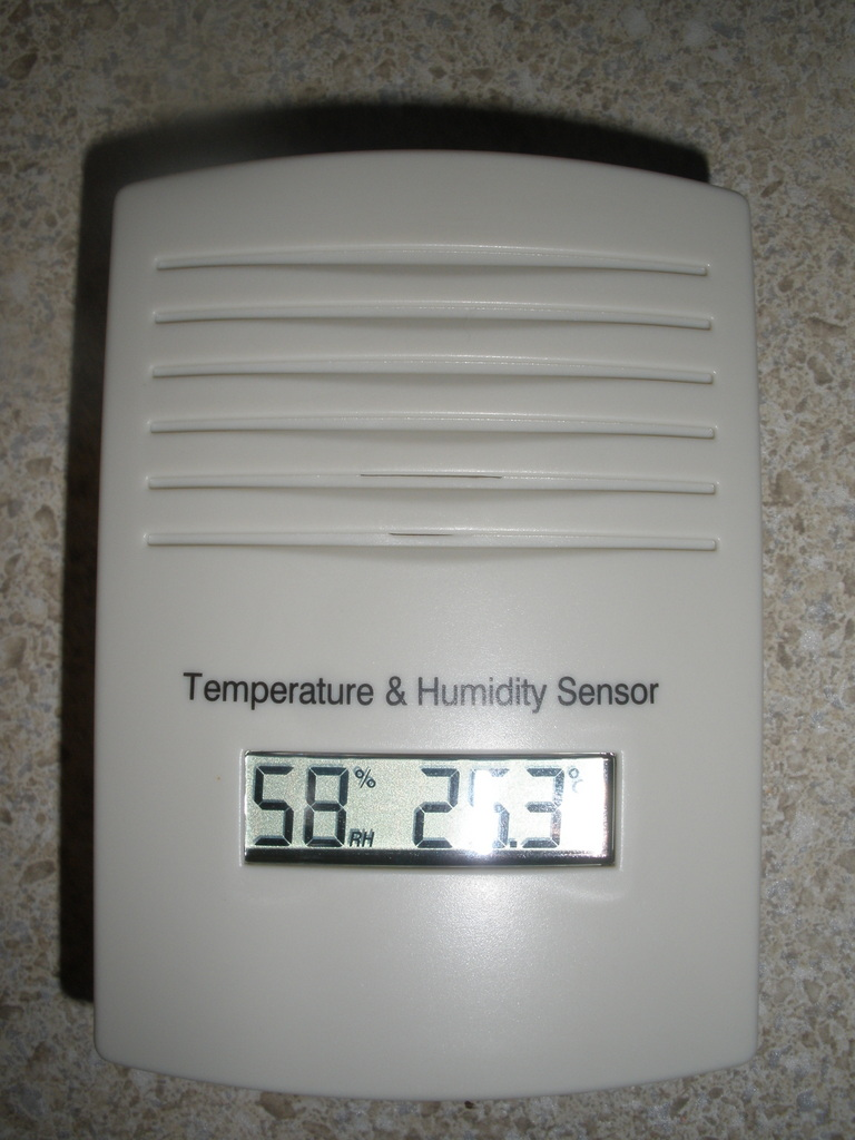 Hacking the WH2 Wireless Weather Station Outdoor Sensor - Part 1